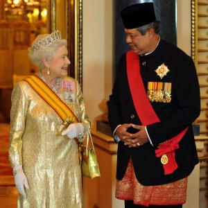 President SBY Warmly Received by Queen Elizabeth II at Buckingham Palace November 2012