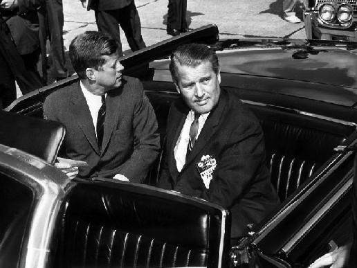 SS Wernher von Braun seated with Pres Kennedy
