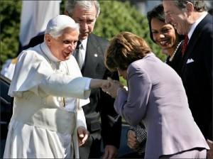 pope_ring_kiss_Pelosi_US gov